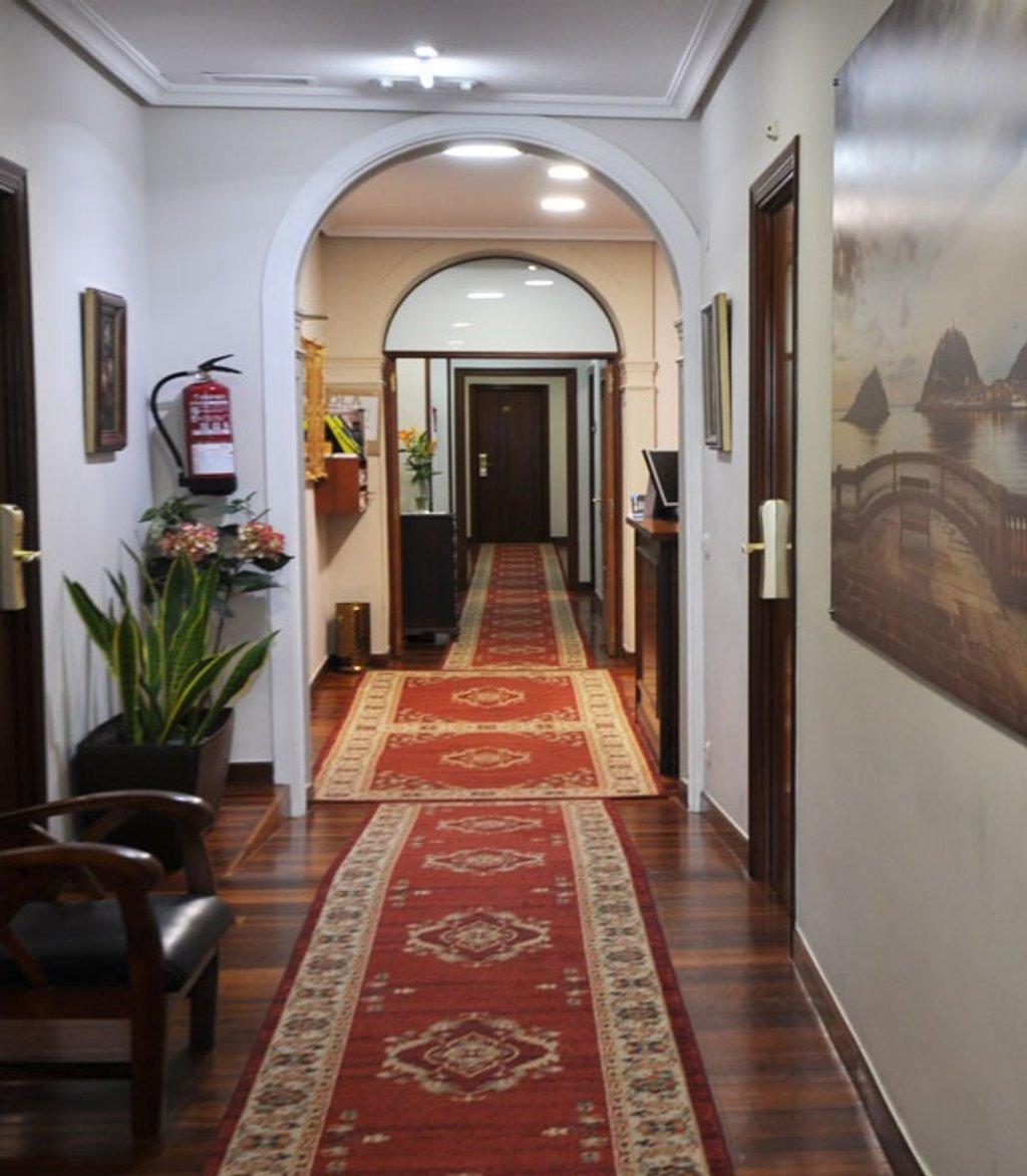 Pension Alameda entry