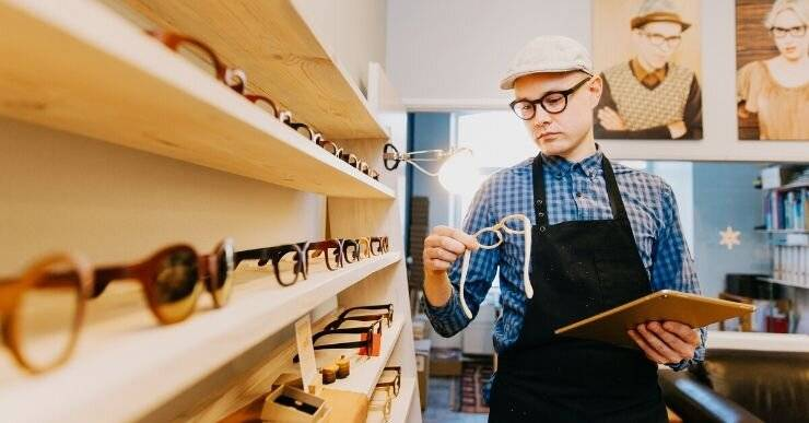 """Growing manufacturers like """"Framed"""" know that going with the direct to consumer business model means they can offer a more tailored approach to customers. By speaking directly with their customers they can more easily analyze which aspects of their product designs to highlight, and which they can taper off."""
